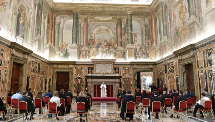 Papa: Kada se Boga isključi iz društva, čovjek se izgubi